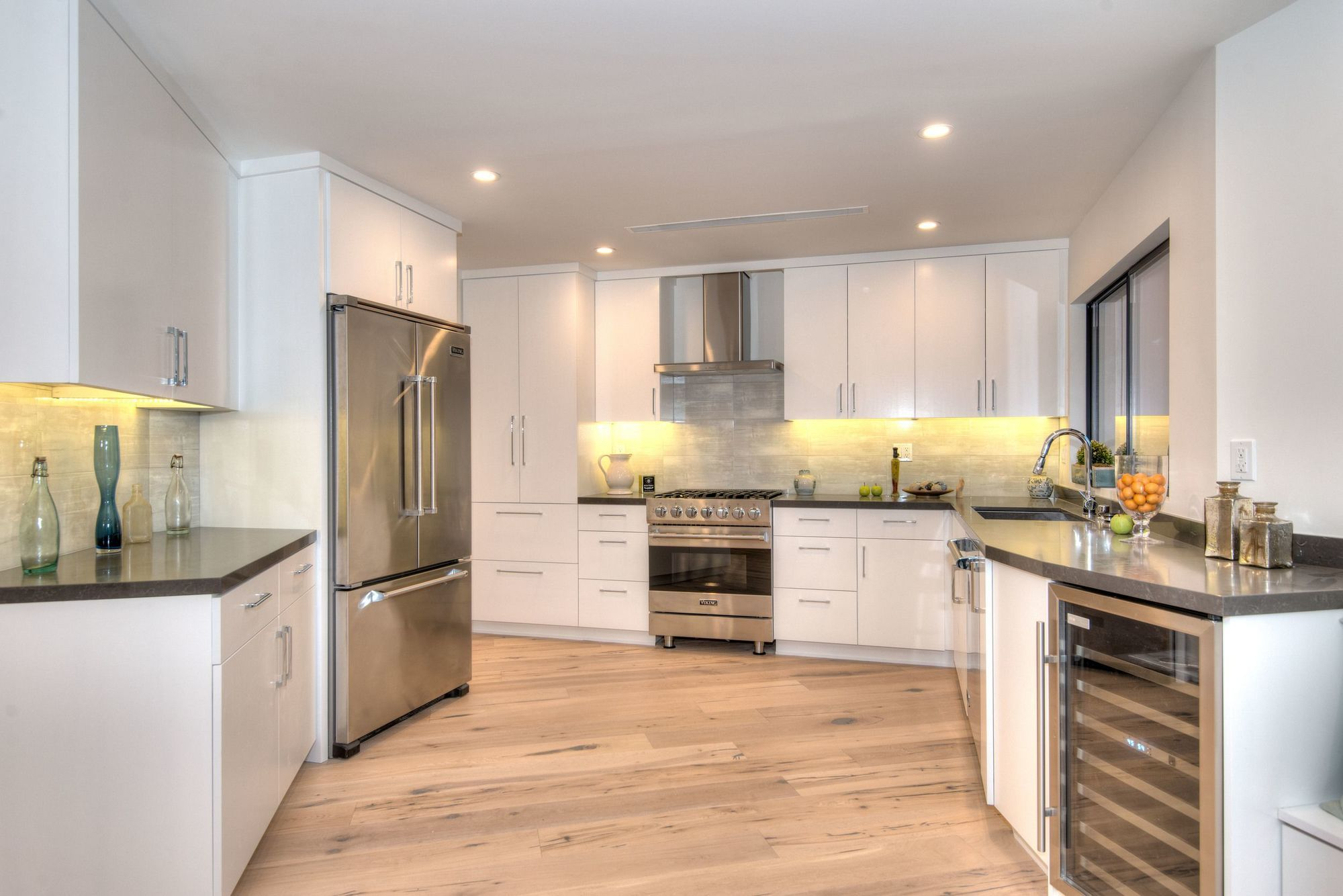 Luxury Cabinet Refacing San Fernando Valley