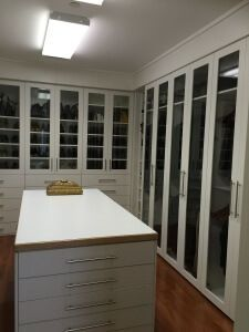 custom walk-in closet remodeling organizer