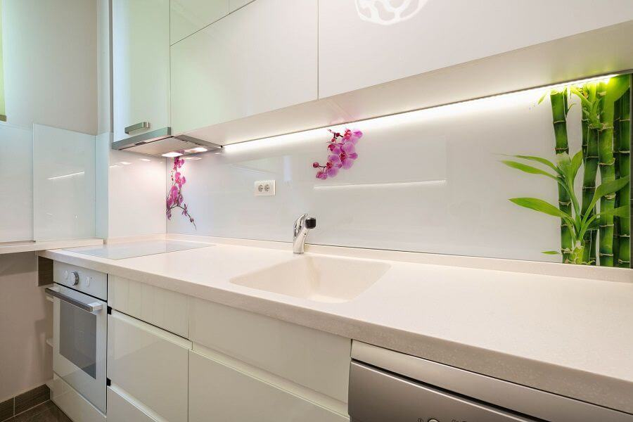 Solid Surface kitchen with cool sink