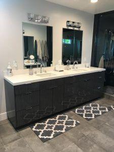 IE bathroom IMG 6235