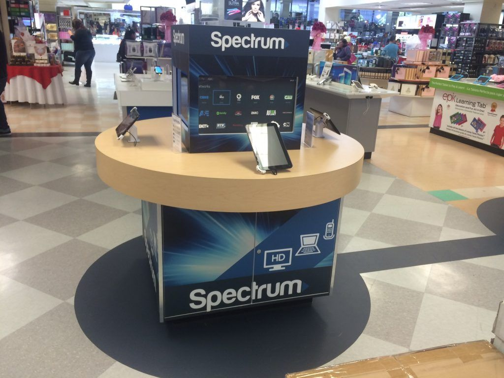 retail product pedestal displays (3)